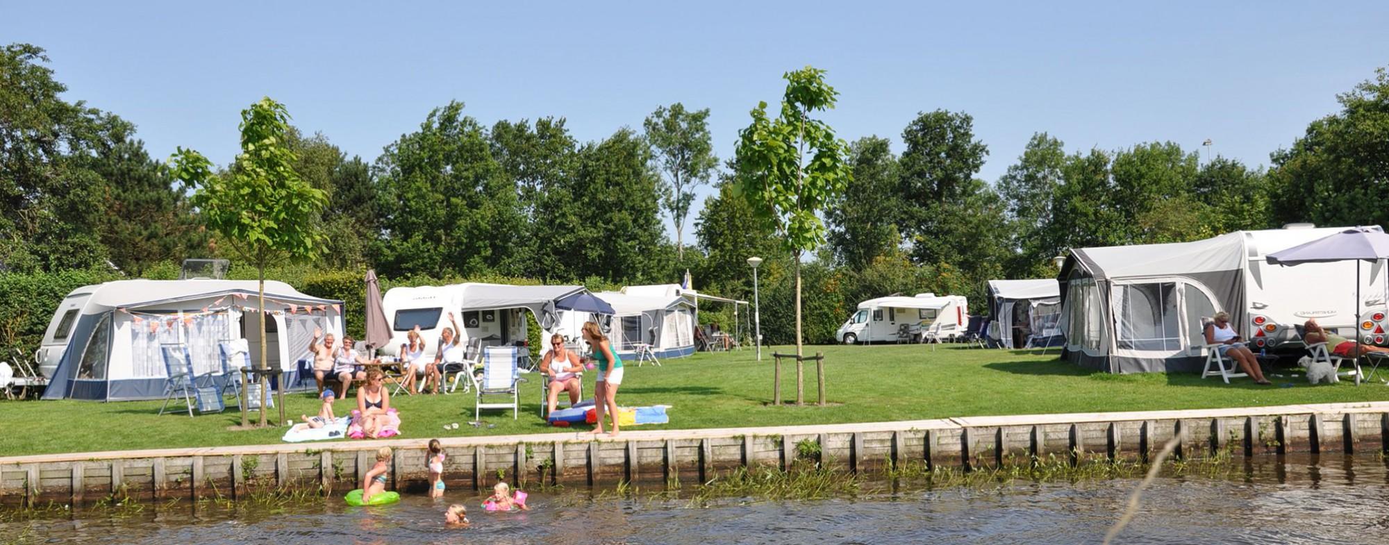 Camping aan het water